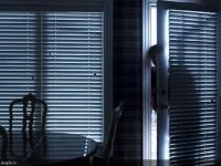 Думали, что вор: пьяного запорожца сняли с балкона дома (Видео)