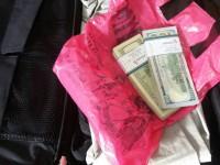 В запорожском аэропорту иностранец не задекларировал 20 тысяч долларов: почти половину суммы конфисковали