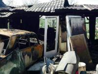 Пожар в гаражном кооперативе под Запорожьем тушили 27 спасателей (Фото)