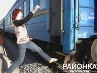 Жители Запорожской области падают с поездов из-за отсутствия платформы