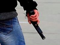 Школьник  средь бела дня открыл стрельбу по учебному заведению