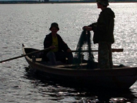 Пропавших в Бердянске рыбаков задержали в России пограничники