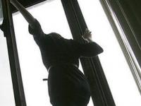 Запорожские военные помогли найти спрыгнувшую из окна женщину
