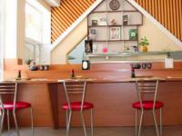 В Запорожье вор средь бела дня стащил сумку в студии суши