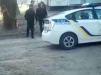 Запорожская патрульная отпинала задержанного – в прокуратуре завели дело (Видео)