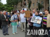 В Мелитополе на Братском кладбище из-за георгиевской ленты завязалась драка (Видео)