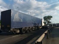 На плотине ДнепроГЭС со стороны Правого берега образовалась пробка