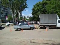 В Хортицком районе Запорожья пьяный водитель влетел в толпу на рынке (Фото)