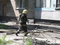 В спальном районе Запорожья огонь охватил три балкона многоэтажки (Фото)