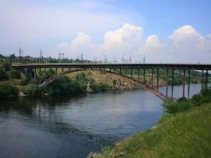 Запорожец погиб, спрыгнув с Арочного моста