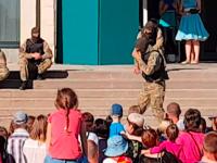 В Энергодаре на детском празднике спецназ показал сцену «перерезания горла» (Видео)