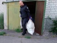 Под Запорожьем в доме культуры нашли брошенные мешки с человеческими останками