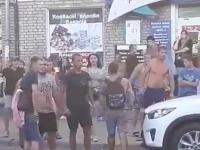 В центре Запорожья произошла стычка между полицейскими и группой подростков (Видео)