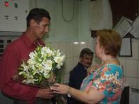 Запорожцу, который спас двух тонущих девочек, вручили на родном заводе денежную премию