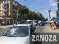 Не успел затормозить: на Гагарина водитель сбил пешехода (Фото)
