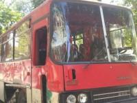 В Запорожье на центральном перекрестке столкнулись автобус с самосвалом