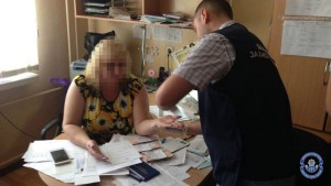 В Запорожье на взятке задержали замдиректора института