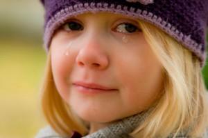 Горе-мать месяц назад бросила свою маленькую дочь на детской площадке