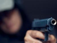 Двое рецидивистов устроили стрельбу в спальном районе Запорожья