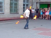 Во время экстремального номера у подростка загорелось лицо (Видео)
