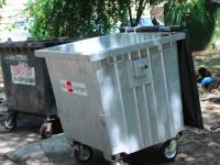 Жители частного сектора подбрасывают мусор жителям многоэтажек