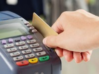 В Запорожье клиенты «ПриватБанка» не могут расплатиться картами