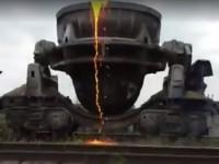Возле «Запорожстали» из движущегося состава вылился раскаленный шлак (Видео)