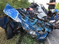 «Смяло вместе с людьми»: опубликованы фото  смертельной аварии на запорожской трассе