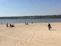 На центральном пляже Запорожья вандалы сломали более половины фонтанчиков для питья и мойки ног