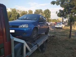 Запорожанка угодила на Набережной в ДТП и сбежала, бросив авто