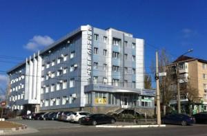 В Запорожской области молния обесточила бизнес-центр
