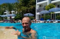 Запорожский турист, которого избил в Турции россиянин, умер в больнице