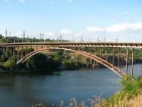 Запорожанка на спор прыгнула с моста
