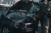 В Запорожье на проезжей части сгорел автомобиль (Видео)