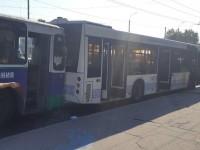 Перед плотиной ДнепроГЭС троллейбус врезался в автобус из-за отказавших тормозов – образовалась пробка