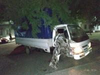 Трое запорожцев заперли сторожа и угнали со стоянки грузовик, на котором попали в ДТП