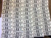 В запорожском аэропорту у пассажирки изъяли 5000 долларов и крупную сумму евро