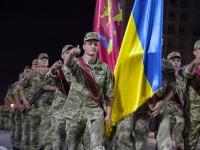 В Запорожье на перекрытом проспекте репетировали парад ко Дню независимости (Фоторепортаж)