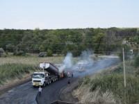 На запорожской трассе за несколько дней построили объездную дорогу (Фото)