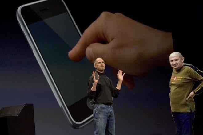 Авдеенко и Джобс на презентации первого iPhone