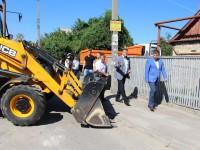 На Запорожье Левом меняют аварийный водопровод: в «Водоканале» устали от протечек