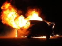 Под Запорожьем в собственном авто сгорел водитель