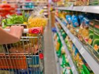 Замдиректора запорожского гипермаркета оштрафовали за грязные весы и неприятный запах в холодильниках для мяса