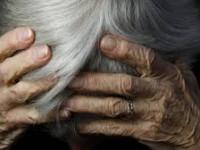 Житель села под Запорожьем угрожал облить кипятком свою бабушку: суд не усмотрел преступления