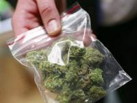 Тюремщика, который принес в колонию наркотики, наказали штрафом