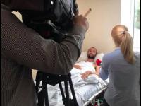 Мама раненого запорожского гея узнала о его ориентации после сюжета на ТВ