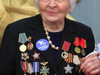 Медсестре, которая прошла Вторую мировую, присвоили пожизненную президентскую стипендию