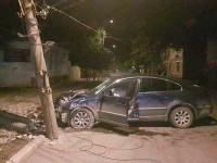 В Бердянске пьяный водитель снёс столб (Фото)