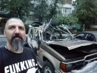 Запорожский блогер сделал селфи на фоне сгоревшего авто
