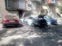 В запорожском дворе рано утром горели три авто
